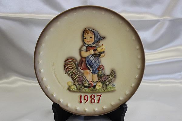 ■Goebel(ゲーベル)■イヤープレート1987■フンメル人形■